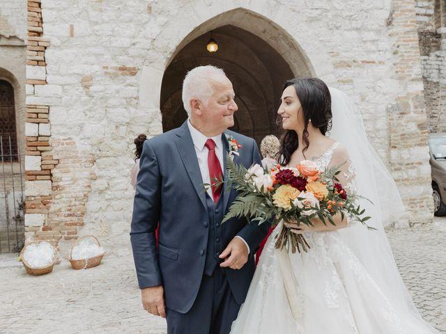 Il matrimonio di Emanuela e Danilo a San Severino Marche, Macerata 33