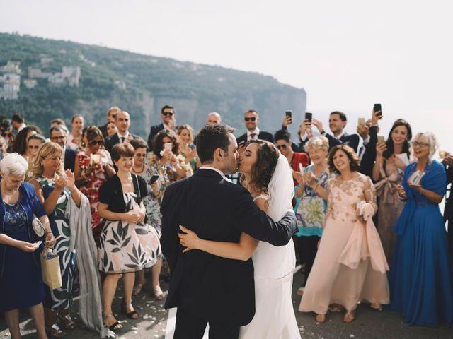 Il matrimonio di Matteo e Giuny a Sorrento, Napoli 24