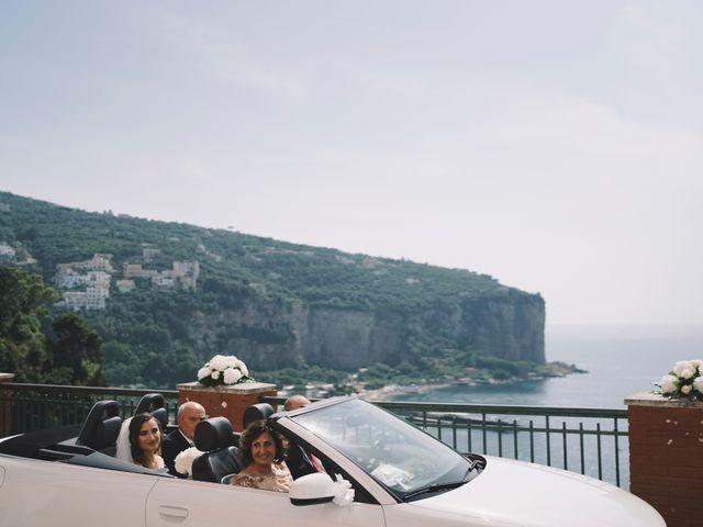 Il matrimonio di Matteo e Giuny a Sorrento, Napoli 33