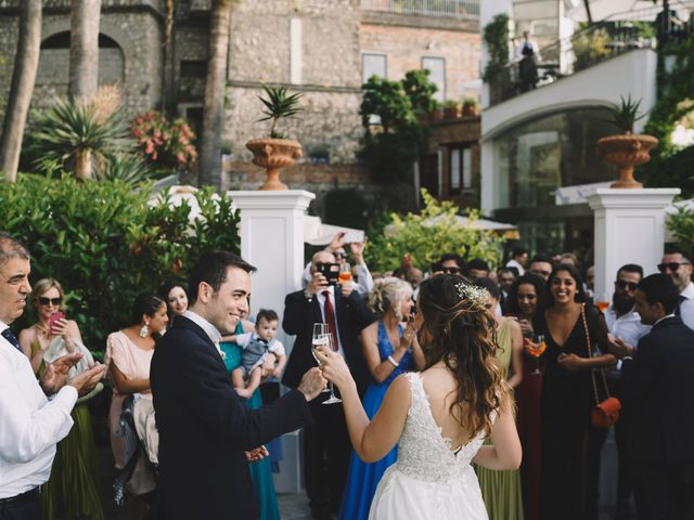 Il matrimonio di Matteo e Giuny a Sorrento, Napoli 44