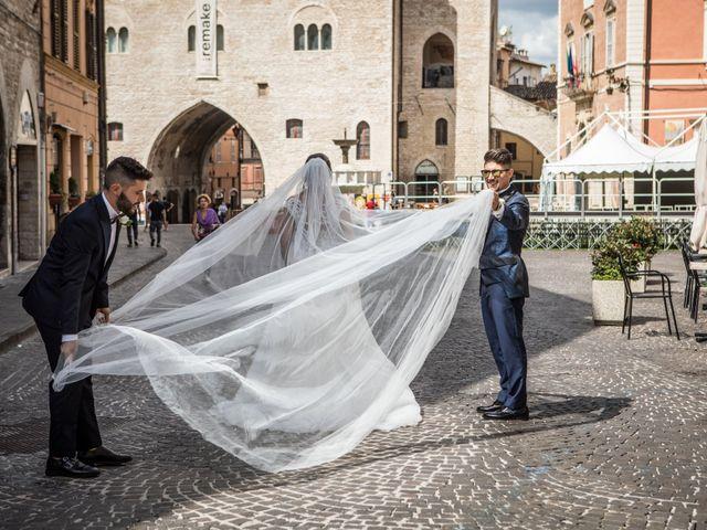 Il matrimonio di Claude  e Alessia a Fabriano, Ancona 17