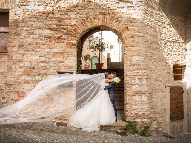 Il matrimonio di Claude  e Alessia a Fabriano, Ancona 23