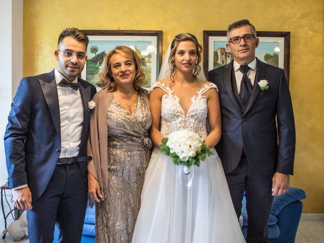 Il matrimonio di Claude  e Alessia a Fabriano, Ancona 32