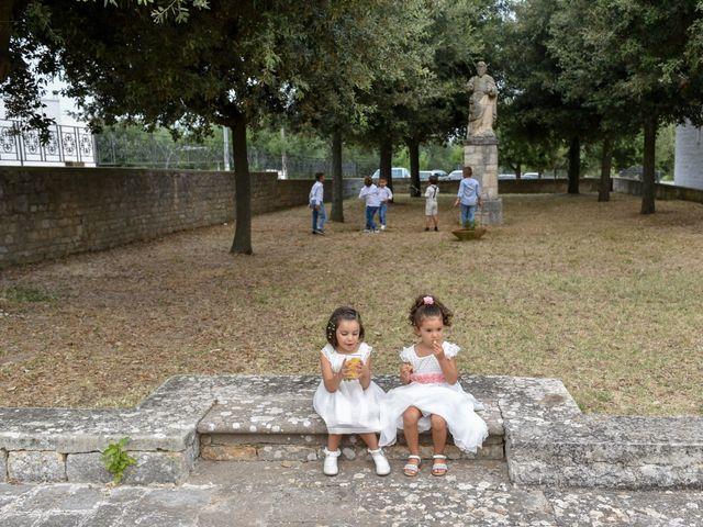 Il matrimonio di Rosamaria e Matteo a Cisternino, Brindisi 28