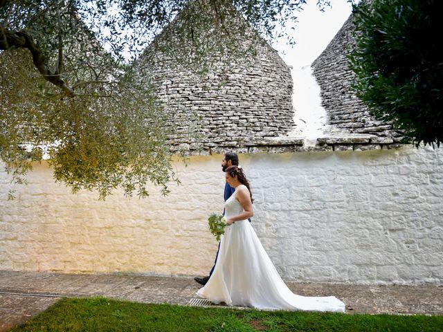Il matrimonio di Rosamaria e Matteo a Cisternino, Brindisi 32