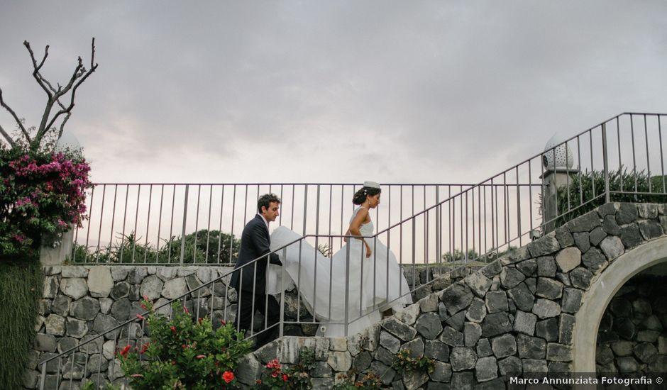 Il matrimonio di Vincenzo e Giuliana a Torre del Greco, Napoli