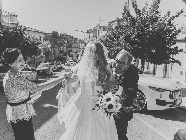 Il matrimonio di Roberta e Raffaele a Chiaramonte Gulfi, Ragusa 25