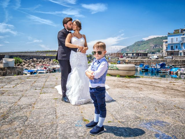 Il matrimonio di Genny e Tonia a Pozzuoli, Napoli 22