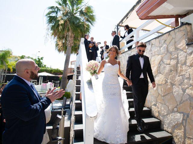 Il matrimonio di Genny e Tonia a Pozzuoli, Napoli 35