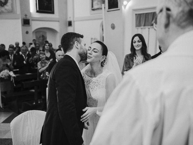 Il matrimonio di Matteo e Laura a Poggio Berni, Rimini 23