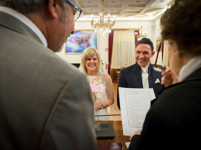 Il matrimonio di Lorenzo e Eva a Taormina, Messina 7