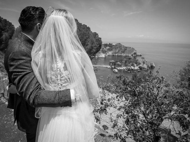 Il matrimonio di Lorenzo e Eva a Taormina, Messina 21