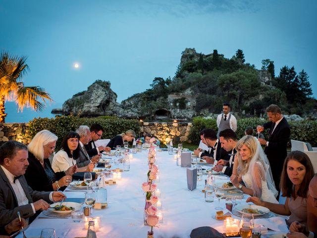 Il matrimonio di Lorenzo e Eva a Taormina, Messina 34