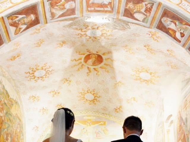 Il matrimonio di Valerio e Claudia a Lasnigo, Como 11