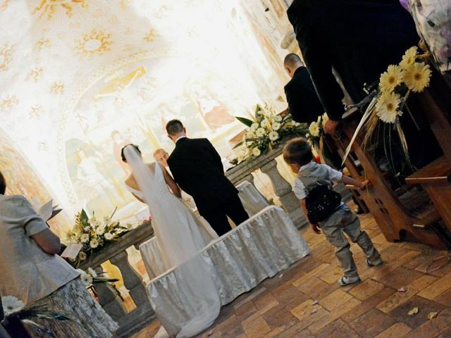 Il matrimonio di Valerio e Claudia a Lasnigo, Como 14