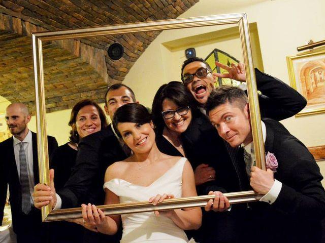 Il matrimonio di Valerio e Claudia a Lasnigo, Como 37