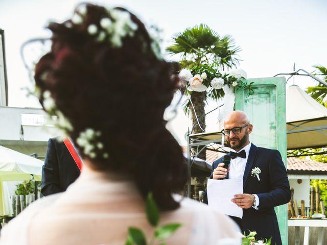 Il matrimonio di Luca e Jessica a Miglianico, Chieti 27