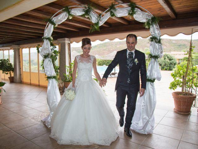 Il matrimonio di Antonio e Manuela a San Teodoro, Sassari 24
