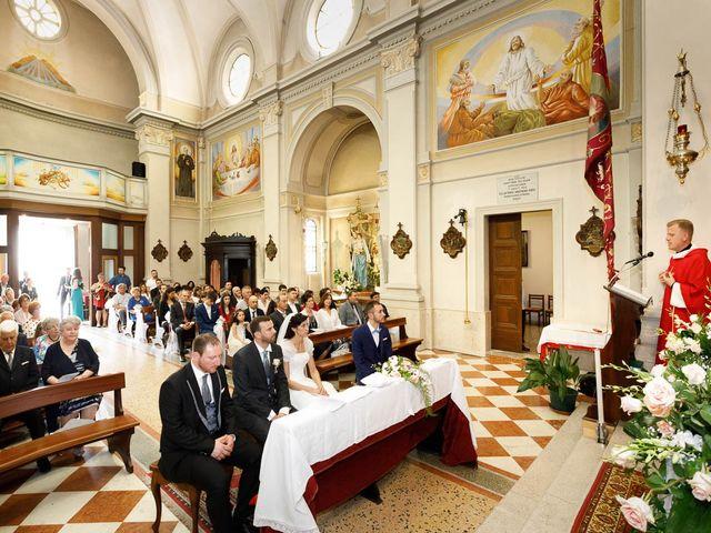 Il matrimonio di Alessio e Sonia a Camino al Tagliamento, Udine 14