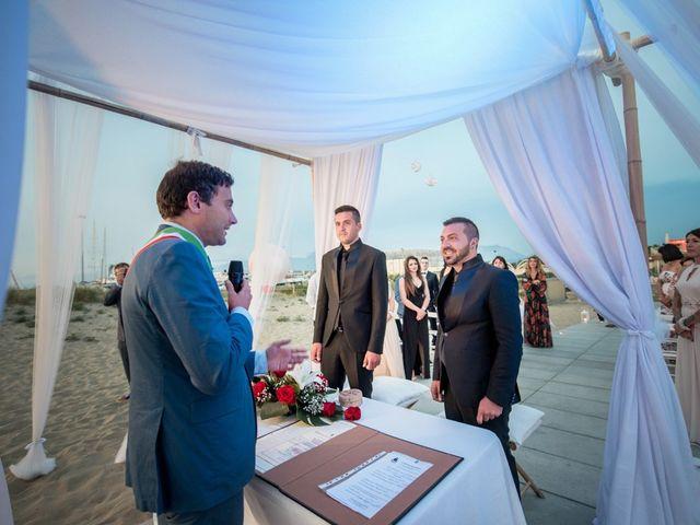 Il matrimonio di Fabrizio e Sergio a Viareggio, Lucca 34
