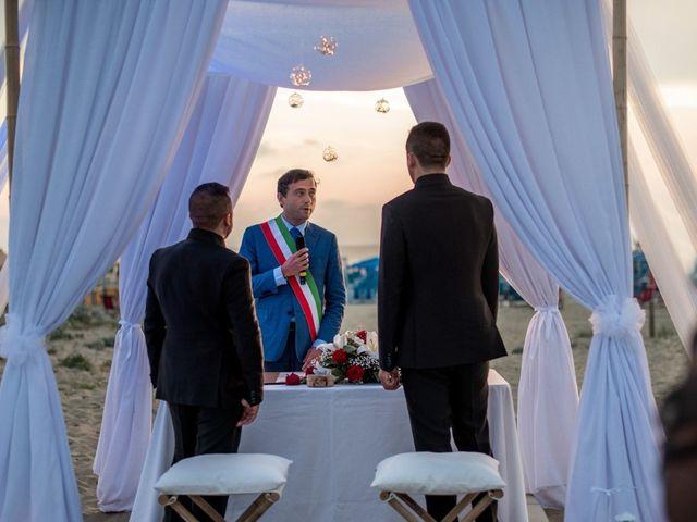 Il matrimonio di Fabrizio e Sergio a Viareggio, Lucca 43