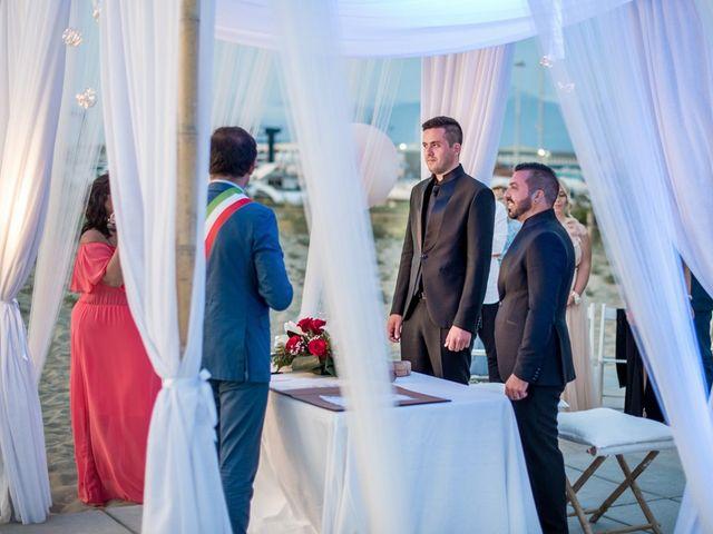 Il matrimonio di Fabrizio e Sergio a Viareggio, Lucca 45