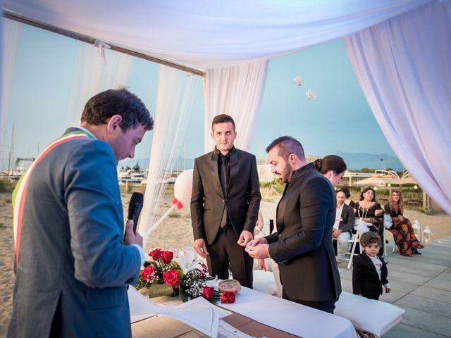 Il matrimonio di Fabrizio e Sergio a Viareggio, Lucca 47