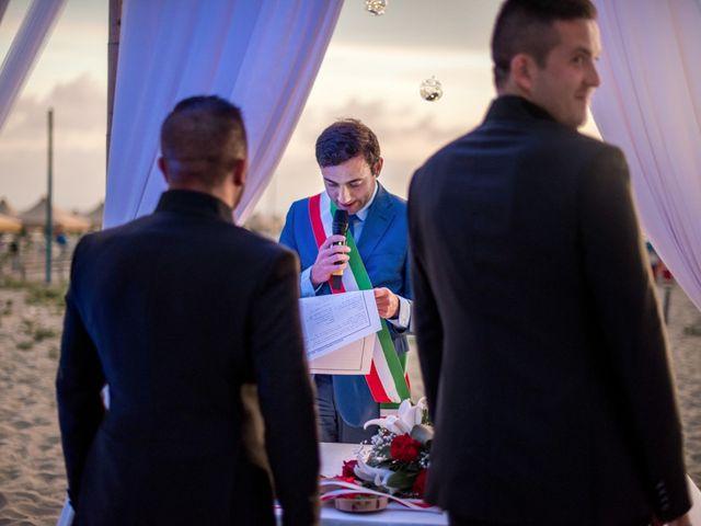 Il matrimonio di Fabrizio e Sergio a Viareggio, Lucca 59
