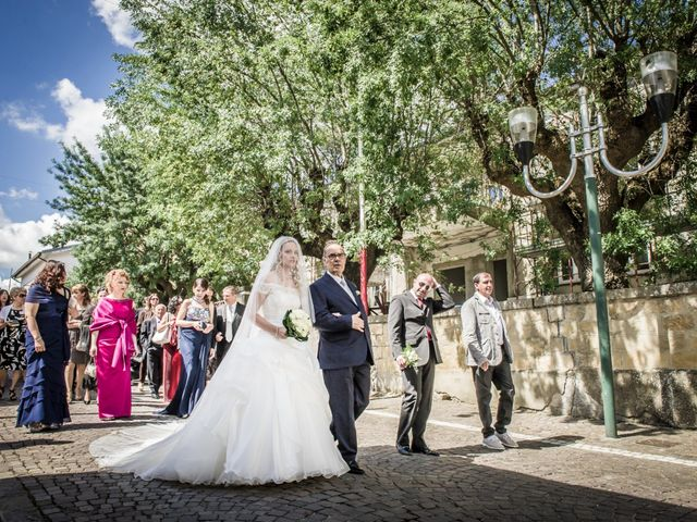 Il matrimonio di Giovanni e Carmen a Campomaggiore, Potenza 7