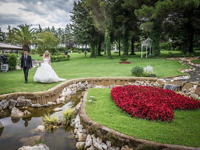 Il matrimonio di Giovanni e Carmen a Campomaggiore, Potenza 14