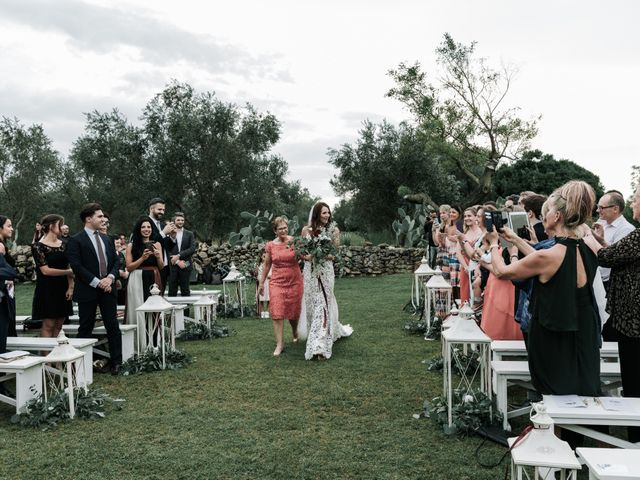 Il matrimonio di Alberto e Emily a Lecce, Lecce 35