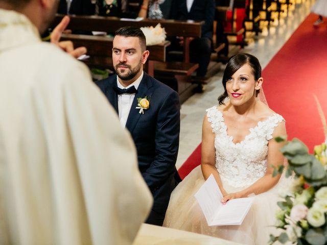 Il matrimonio di Gabriele e Erika a Città Sant'Angelo, Pescara 17