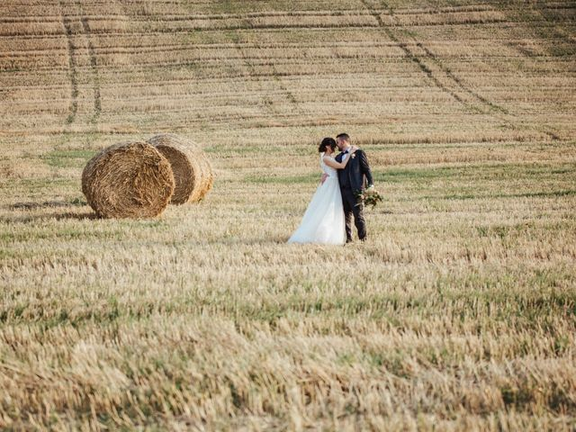 Il matrimonio di Gabriele e Erika a Città Sant'Angelo, Pescara 19