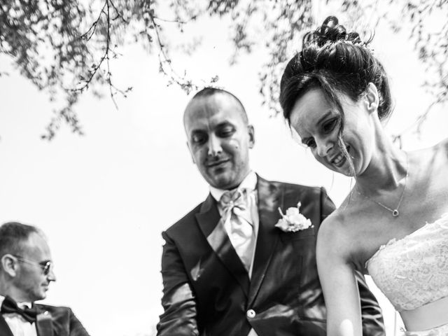Il matrimonio di Thomas e Ilaria a Gaggiano, Milano 21