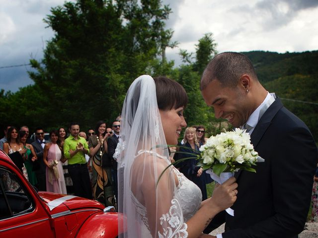 Il matrimonio di Edgar e Mara a Fossombrone, Pesaro - Urbino 10