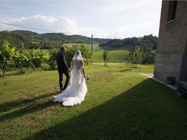 Il matrimonio di Edgar e Mara a Fossombrone, Pesaro - Urbino 16