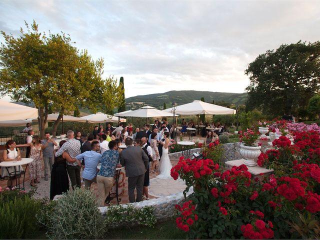 Il matrimonio di Edgar e Mara a Fossombrone, Pesaro - Urbino 28