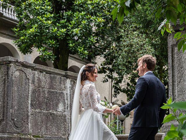 Il matrimonio di Davide e Serena a Domaso, Como 40