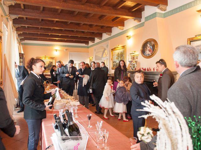 Il matrimonio di Tommaso e Teresa a Altavilla Irpina, Avellino 60