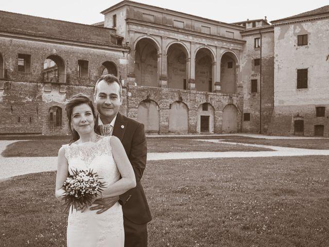 Il matrimonio di Simone e Gloria a Castellucchio, Mantova 6