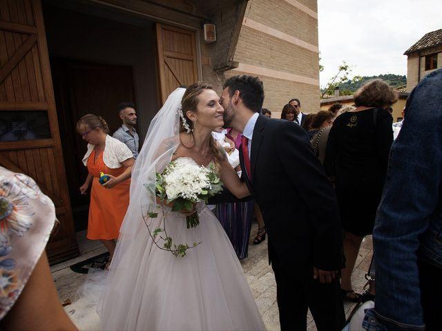 Il matrimonio di Filippo e Veronica a Mombaroccio, Pesaro - Urbino 19