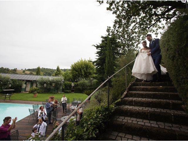 Il matrimonio di Filippo e Veronica a Mombaroccio, Pesaro - Urbino 30