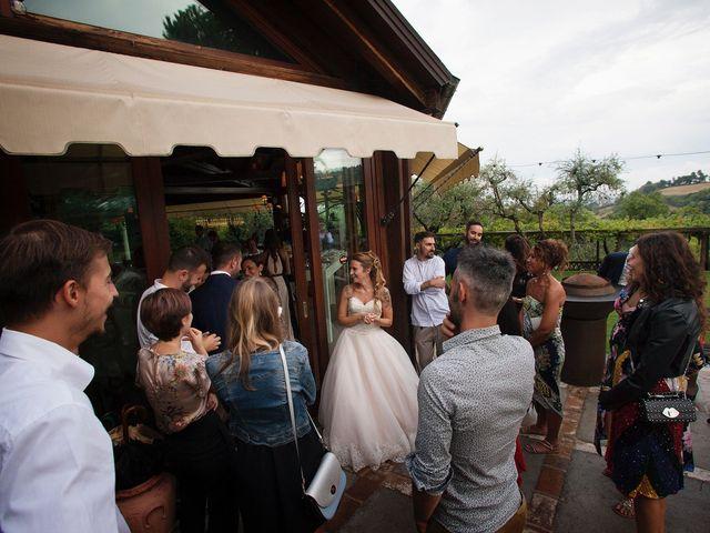 Il matrimonio di Filippo e Veronica a Mombaroccio, Pesaro - Urbino 32