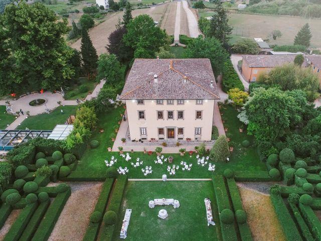 Il matrimonio di Lorenzo e Elisa a Massa, Massa Carrara 25