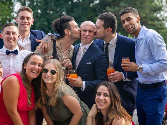 Il matrimonio di Manlio e Laura a Arese, Milano 32