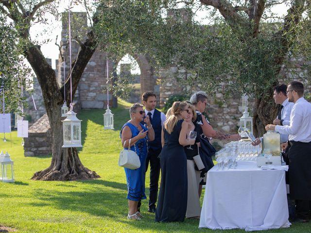 Il matrimonio di Matteo e Elena a Lonato del Garda, Brescia 11