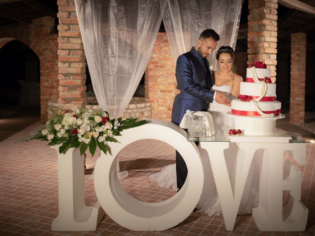 Il matrimonio di Alex e Vittoria a Casabona, Crotone 18