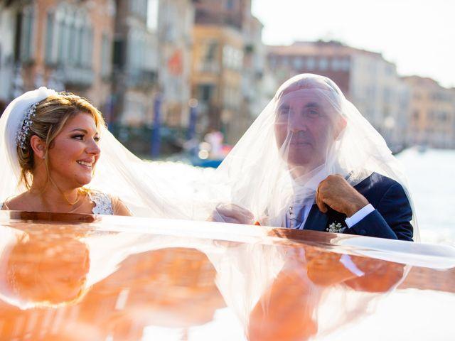 Il matrimonio di Davide e Luana a Lido di Venezia, Venezia 71