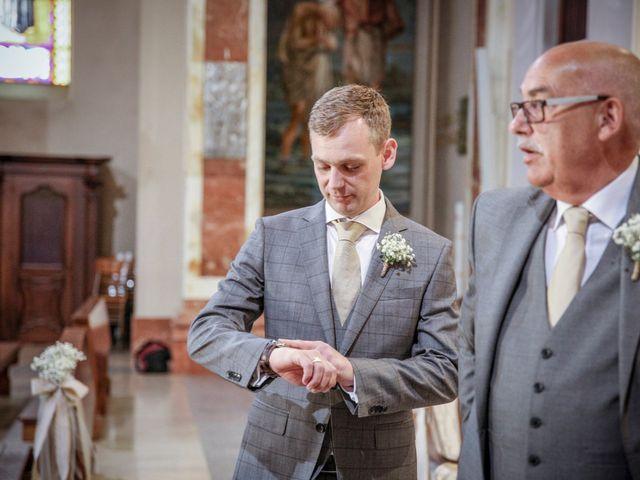 Il matrimonio di James e Elisa a Lentate sul Seveso, Monza e Brianza 13