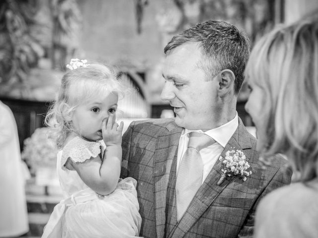 Il matrimonio di James e Elisa a Lentate sul Seveso, Monza e Brianza 15